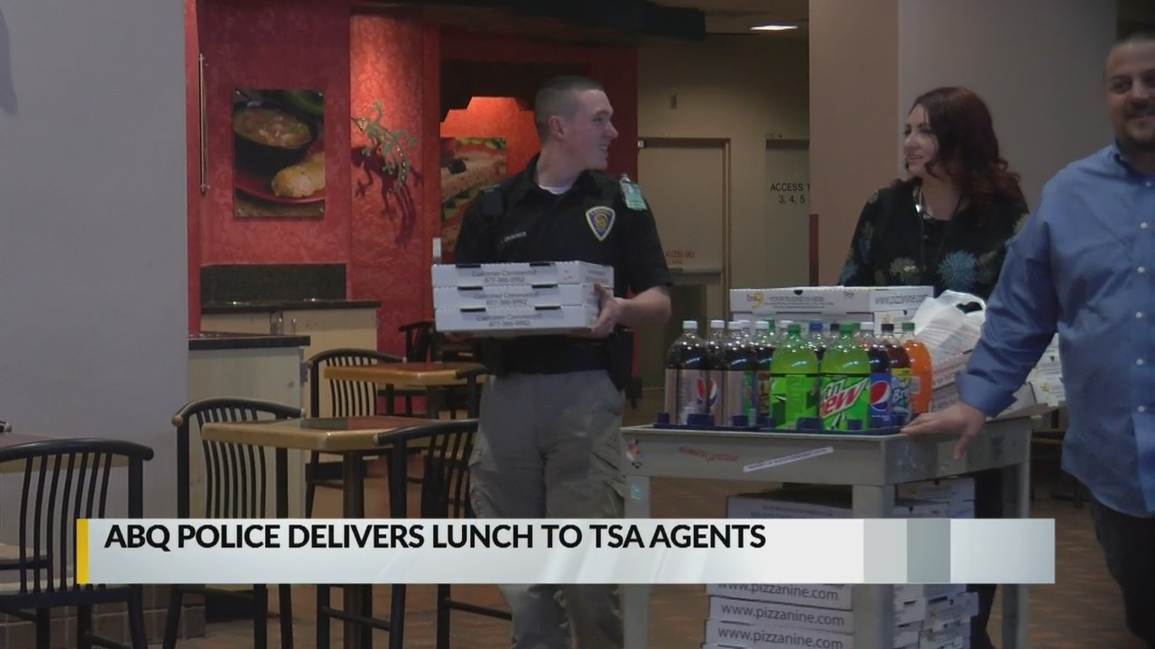 Albuquerque Police Union delivers lunch to TSA workers