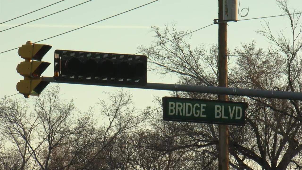 abq bridge sign stock_1559239669525.jpg.jpg