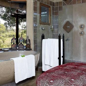 Lukimbi Lodge Premier Suite Bathroom