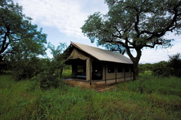 Khoka Moya Camp Tent Exterior