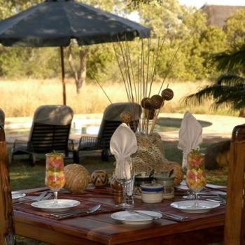 Jackalberry Lodge Outdoor Dining