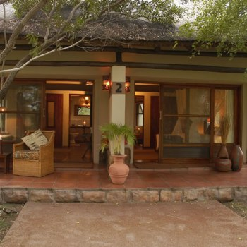 Nkaya Game Lodge Suite Outside View