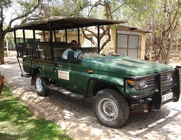 Baluleni Safari Lodge Game Drive Vehicle