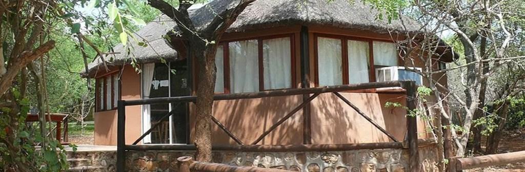 Baluleni Safari Lodge Thatched Lodge View