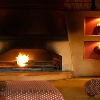 Hoyo-Hoyo Safari Lodge Fire Place