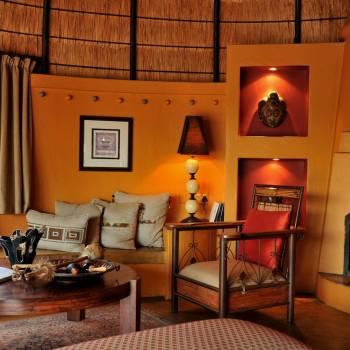 Hoyo Hoyo Safari Lodge Lounge by the Fire