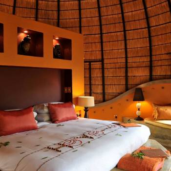 Hoyo Hoyo Safari Lodge Luxury Bedroom