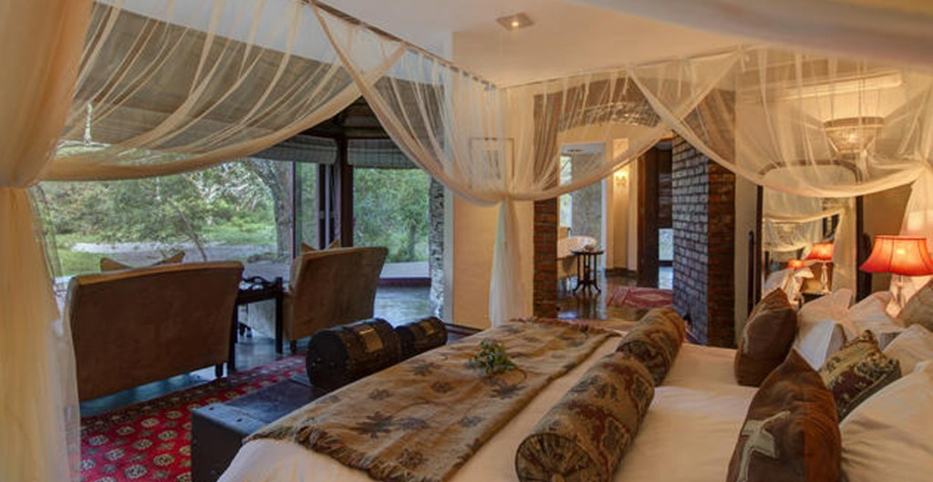 TINTSWALO SAFARI LODGE package