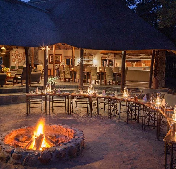 Jackalberry Lodge Boma Seating