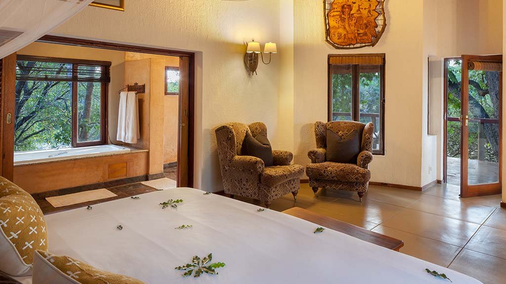 Monwana Game Lodge Suite Bedroom