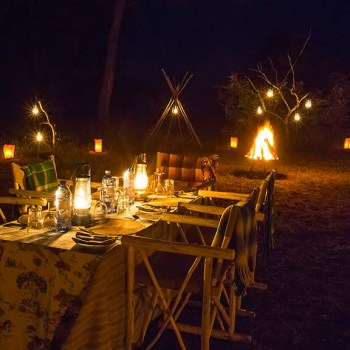 Thornybush Game Lodge Dining Table at Night