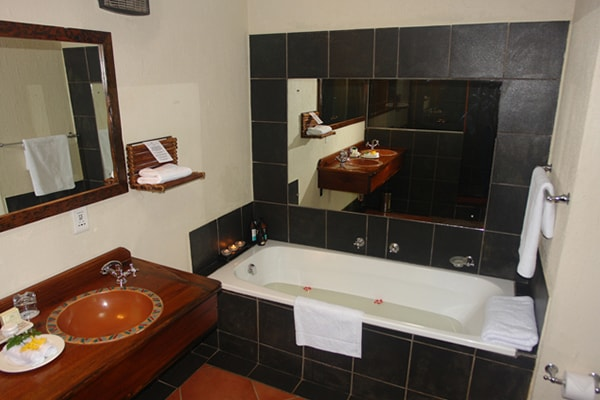 Hans Merensky Hotel & Spa Accommodation Bathroom