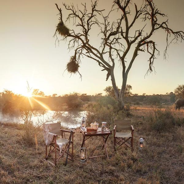Kings Camp Bush Dining