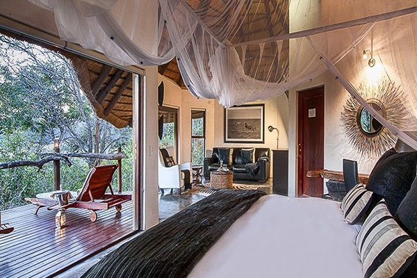Pondoro Game Lodge Water Suite