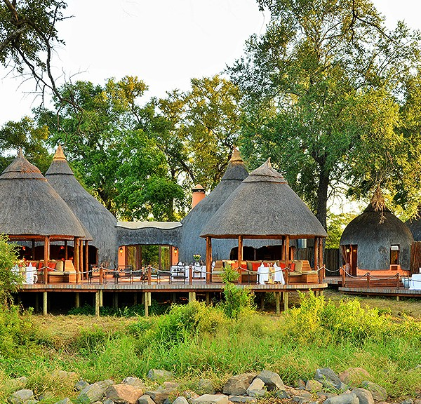 Hoyo Hoyo Safari Lodge Header Image