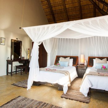 Naledi Bushcamp and Enkoveni Camp Leadwood Suite