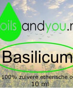 Basilicum olie is één van betere etherische olie als je volledig vastgelopen lijkt te zijn, de essentiële olie helpt je bij het aanboren van nieuwe innerlijke en mentale krachten. Verpakt per 10 ml