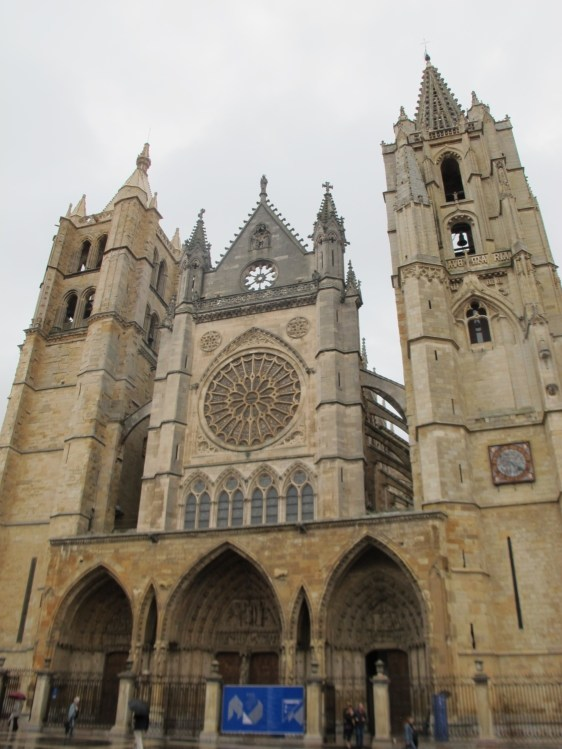 León Cathedral on a rainy day