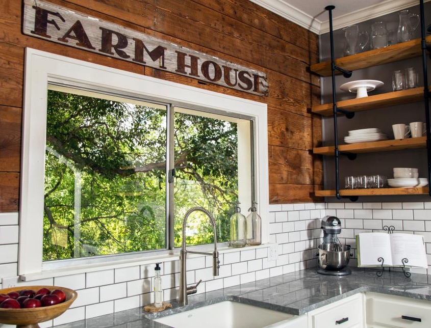 warm and vintage touches of farmhouse