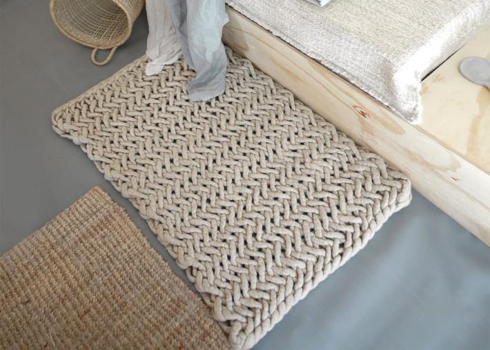 tapis de sol descente de lit en laine effet tricot 18 couleurs fishbone par vacht van vilt