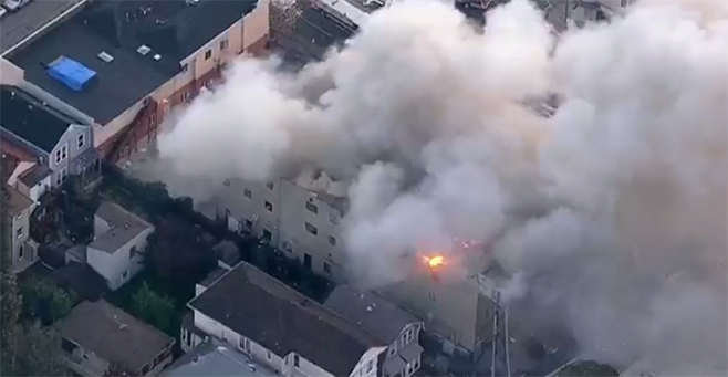 Oakland Fire_364694