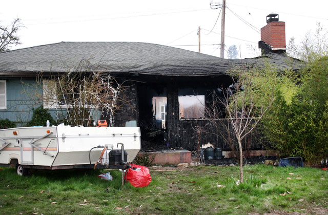 Fatal Oregon house fire_353847