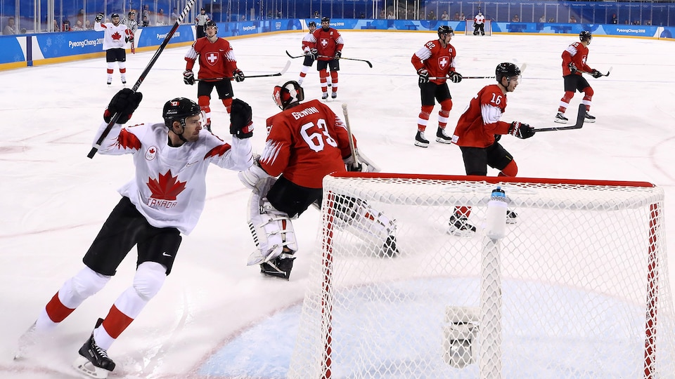 bourque_celebrates_canada_vs-_sui_521509