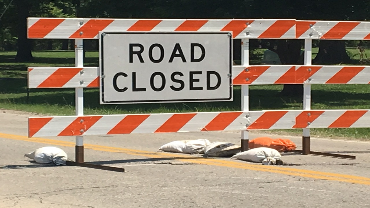 Road closed sign for web