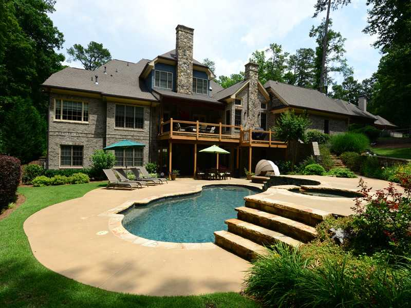 Buckhead atlanta affluent blacks of dallas for Houses for sale pool