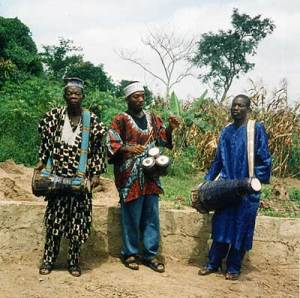 Image from http://www.agalu.com/biography.html