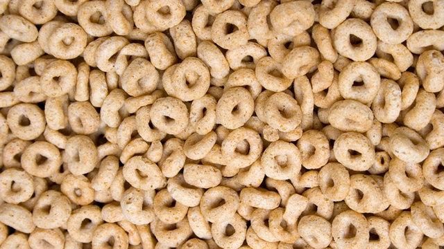 Cheerios breakfast cereal closeup_24590760_ver1.0_640_360_1534440545291.jpg_52090775_ver1.0_640_360_1534465646239.jpg.jpg