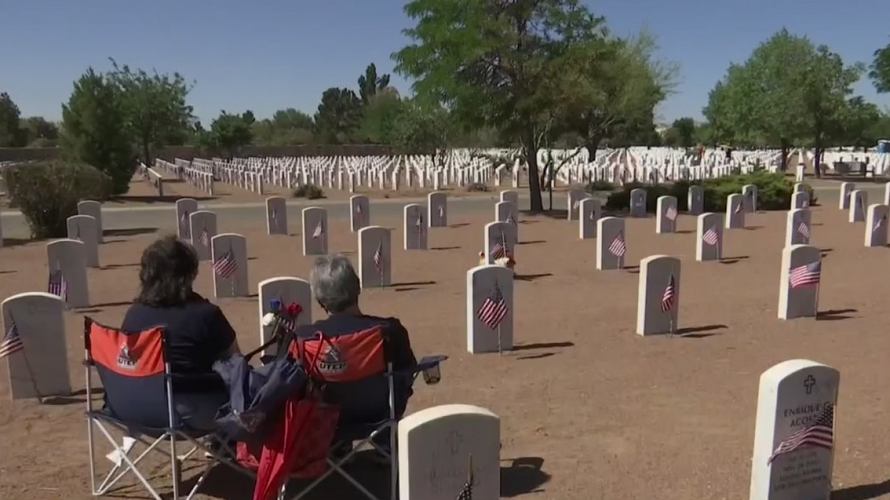 Hundreds remember the fallen at Fort Bliss National Cemetery