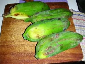 Chatinos: Bananen herausschneiden