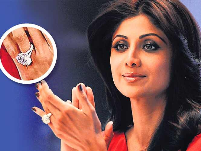 shilpa shetty solitaire engagement ring