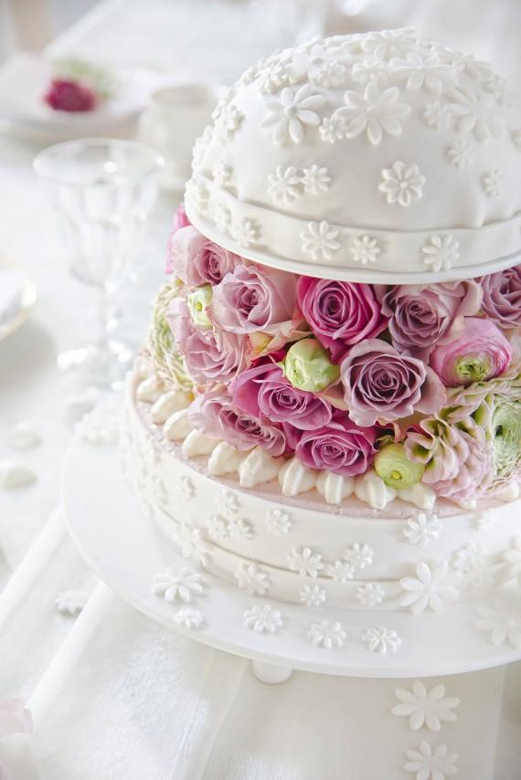 Hochzeitstorte in Wei mit Fondant  Blumen Anleitung