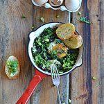 Jajo w Sezonowo od A do M! Szczęśliwe, na jarmużu