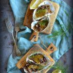 Ostrygi zapiekane z borowikami i sosem rémoulade. Jak ugryźć ostrygę? I co do niej pić?