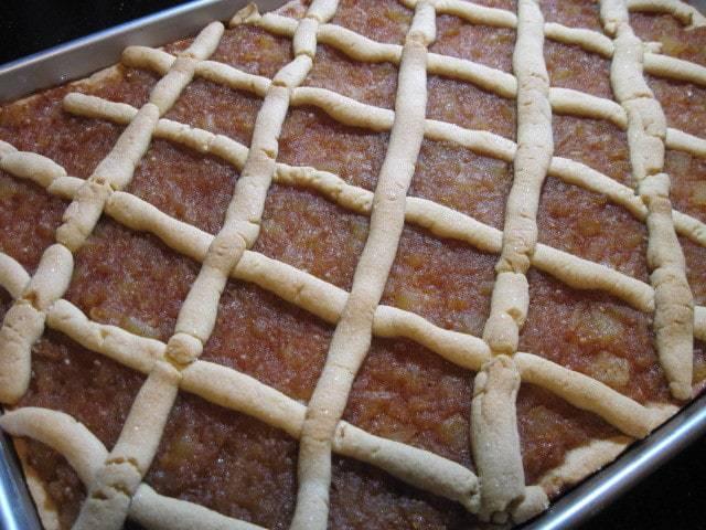 Great Grandma's Old-Fashioned Applesauce Cake - kudoskitchenbyrenee.com