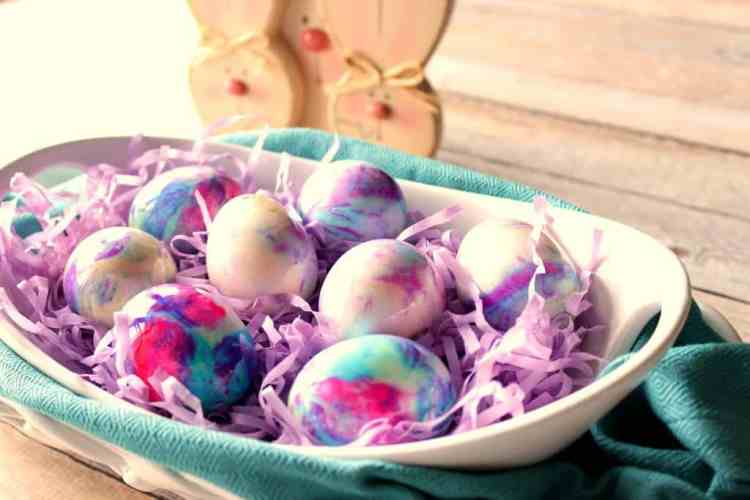 Mayonnaise Tie Dyed Easter Eggs.