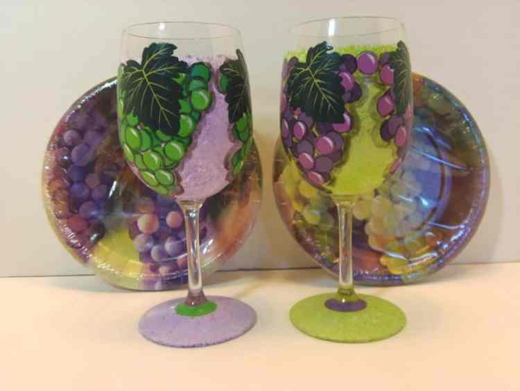 Grape Clusters Hand Painted Wine Glasses that coordinate with paper plates.