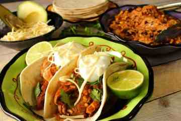 Easy Slow Cooker Pork Tacos