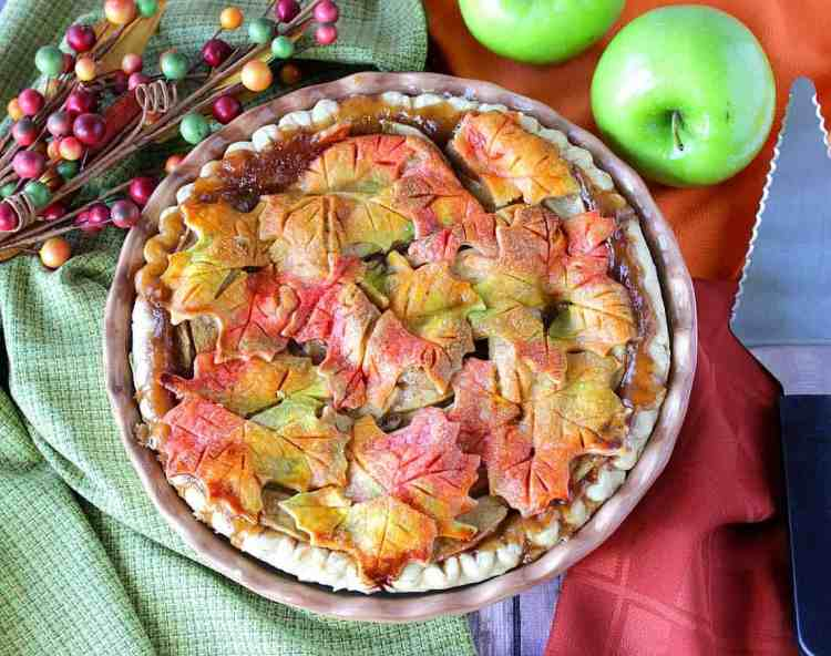 Colorful Autumn Leaves Apple Pie - kudoskitchenbyrenee.com