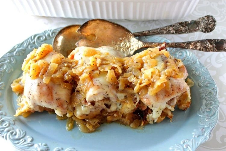 Cheesy French Onion Chicken Recipe - www.kudoskitchenbyrenee.com