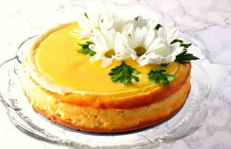 Lemon Cheesecake with Lemon Curd Topping and Daisy's