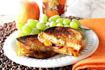 Grilled Cheddar Cheese with Caramelized Apple