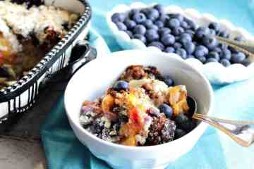 Berry Fresh Blueberry Peach Crisp Recipe - www.kudoskitchenbyrenee.com
