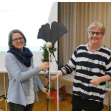 Präsidentin Jacqueline Willimann übergibt das Zepter an Edith Felber-Wettstein.