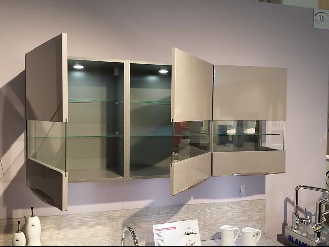 NobiliaMusterkche Hochglanz Kche mit modernen Griffleisten Ausstellungskche in von