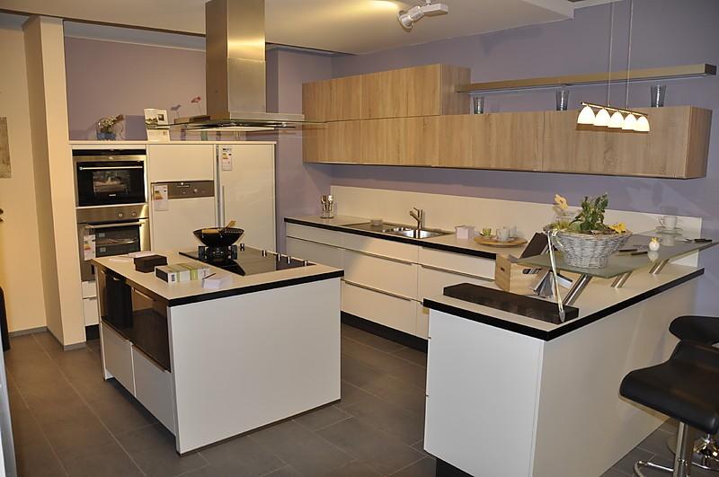 NobiliaMusterkche moderne LKche mit Glastresen und KochInsel Ausstellungskche in