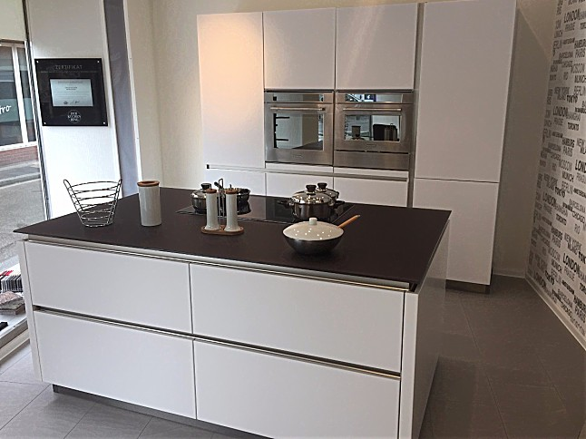 kitchenaid kitchen black cabinet handles cube-musterküche designer insel küche grifflos ...